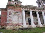Отреставрированные колонны  западного входа