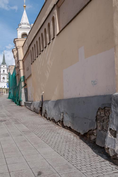 Ограда Иоанно-Предтеченского женского монастыря до реставрации